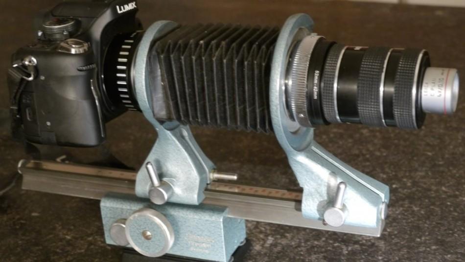 Infinity microscope objective on camera